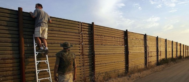 Minutemen Break-Away Group Patrols California-Mexico Border
