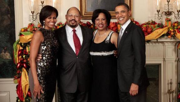 Obamas-Christmas-2010-white-house-with-Toni-Townes-Whitley-senior-vice-president-CGI-Federal