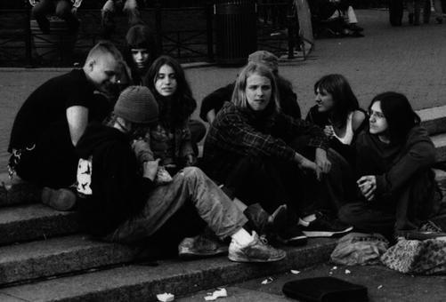 Teenagers-teenagers-6899868-1178-784